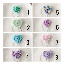 Load image into Gallery viewer, Crochet Heart Paperclip