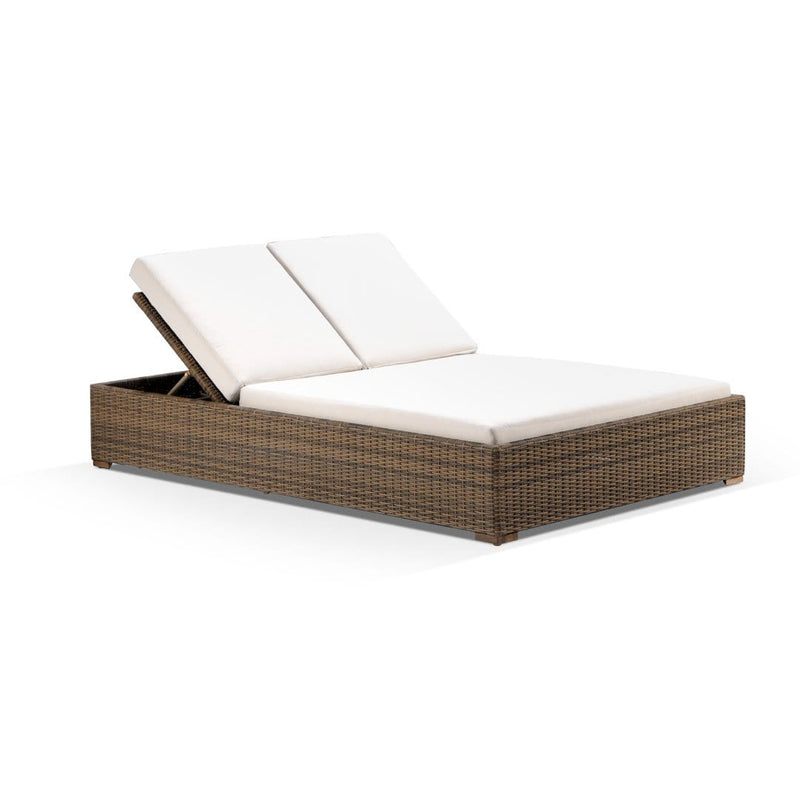 Breeze Double Sun Lounge with Side Table in Half Round Wicker