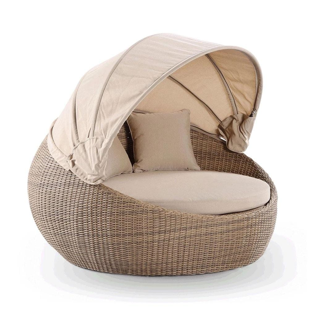 Newport Outdoor Wicker Round Daybed with Canopy