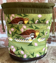 "Load image into Gallery viewer, Large Yarn Bag W/Divider - ""Birds"" with exterior fabric pocket"