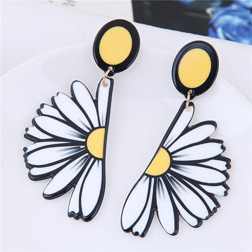 NIRUMON White Daisy Theme  Fashion Stud Earrings - NIRUMON