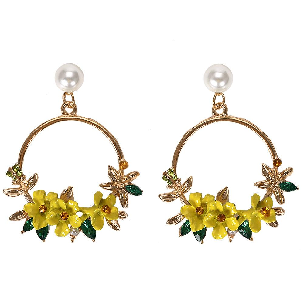 NIRUMON Flower Leaves Pearls & Rhinestone Inlaid Golden Hoops Fashion Earrings - NIRUMON