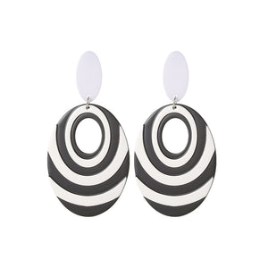 NIRUMON Oval Design Black & White Acrylic Earrings