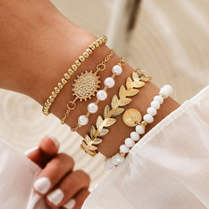 NIRUMON 5 Pieces Golden Statement Bracelets