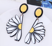 Load image into Gallery viewer, NIRUMON Daisy Design Acrylic Statement Earrings