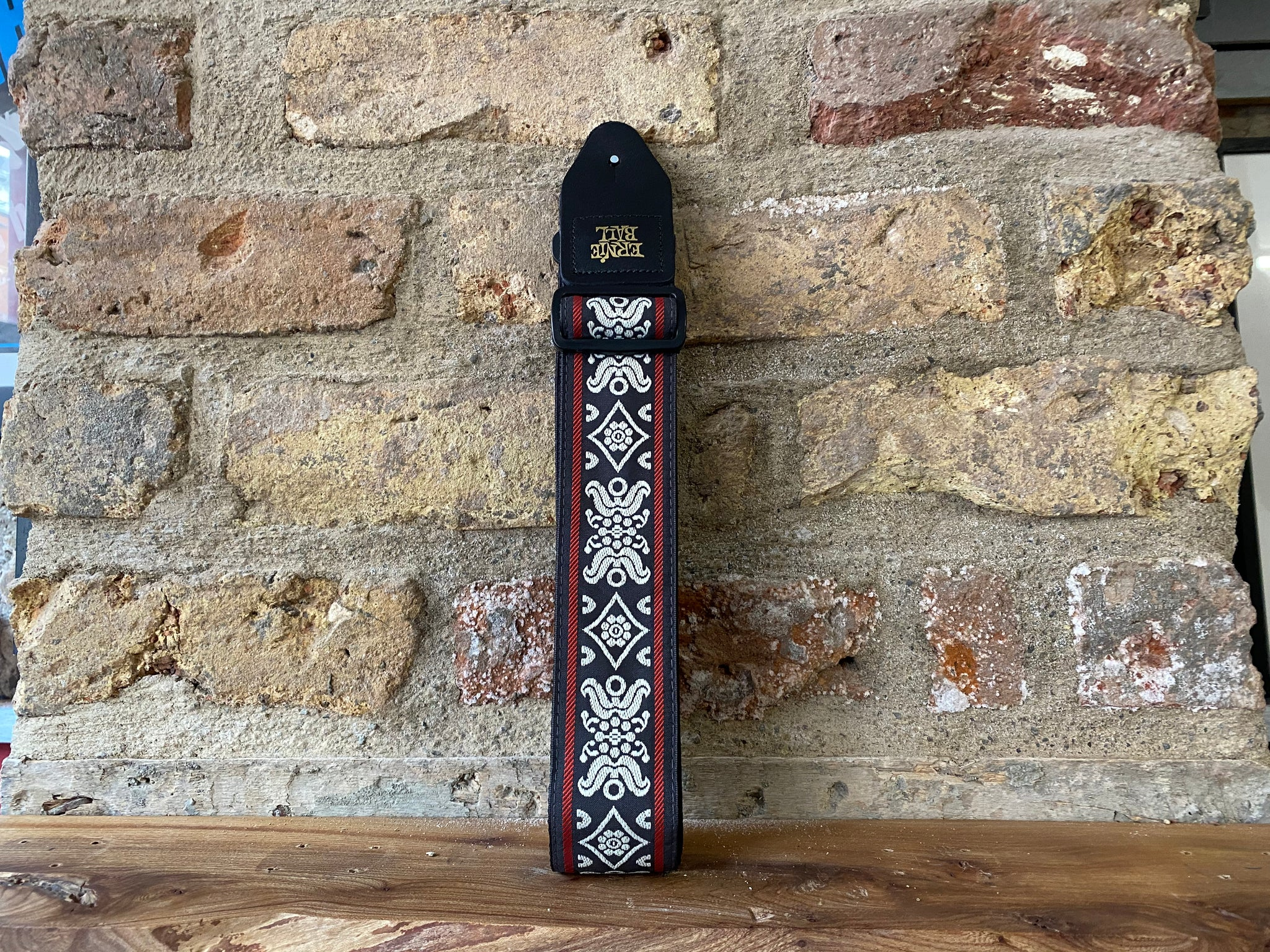 Ernie Ball Blackjack Red Jacquard Strap