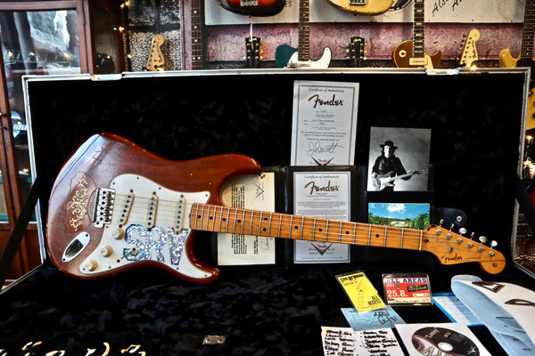 "Fender Custom Shop Masterbuilt Jason Smith Stevie Ray Vaughan ""Lenny"" Stratocaster Tribute 2007"