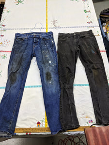 2x Pairs of Men's 33x32 Distressed Painted Jeans