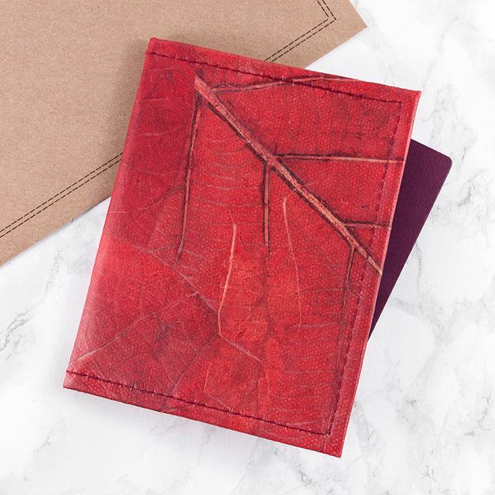 Cardholders and Passport Covers in Leaf Leather