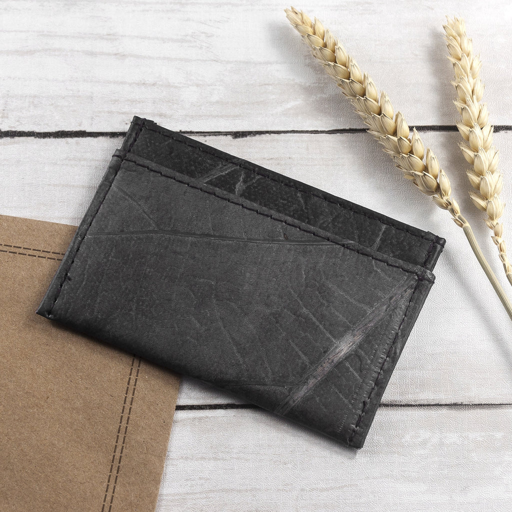 Cardholder in Leaf Leather - Pebble Black