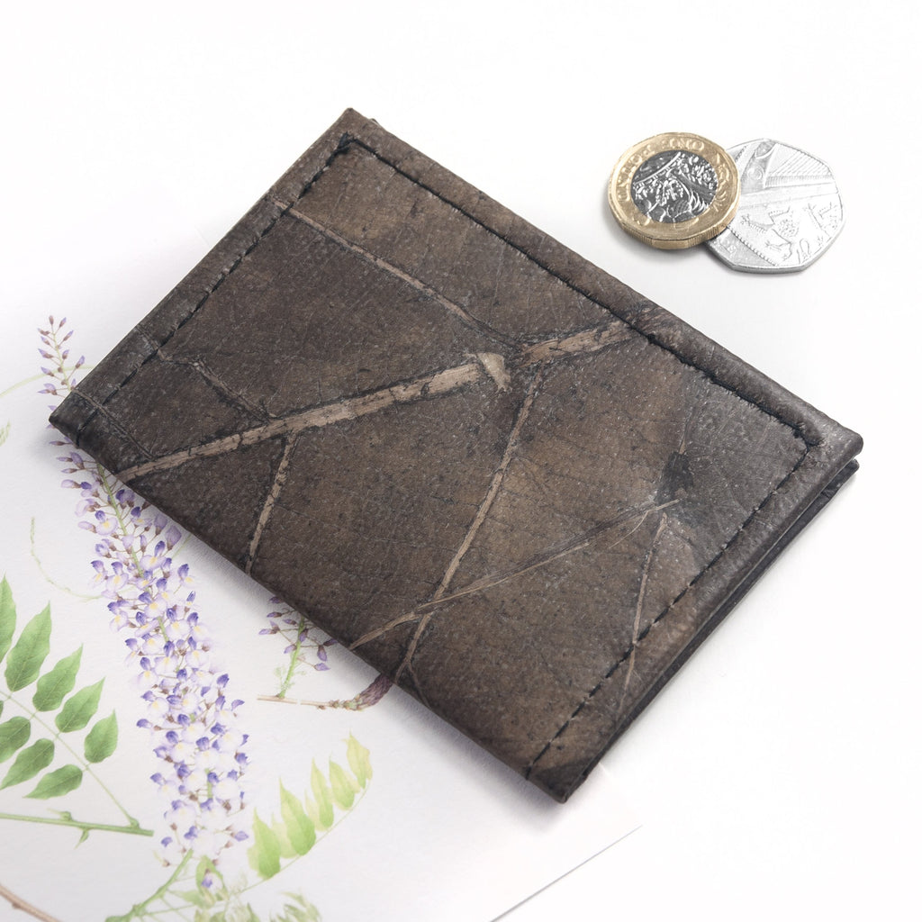 Bifold Cardholder in Leaf Leather - Chestnut Brown