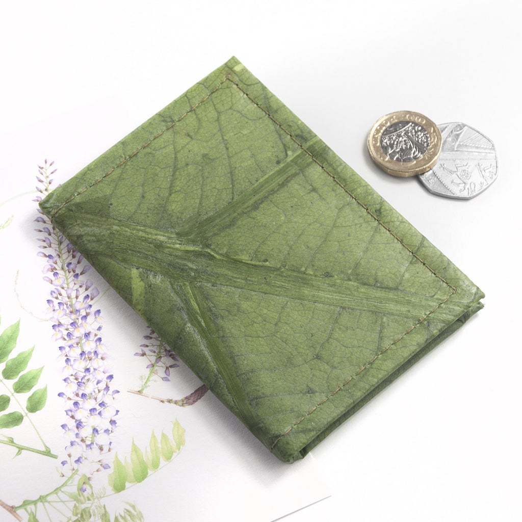 Bifold Cardholder in Leaf Leather - Leaf Green
