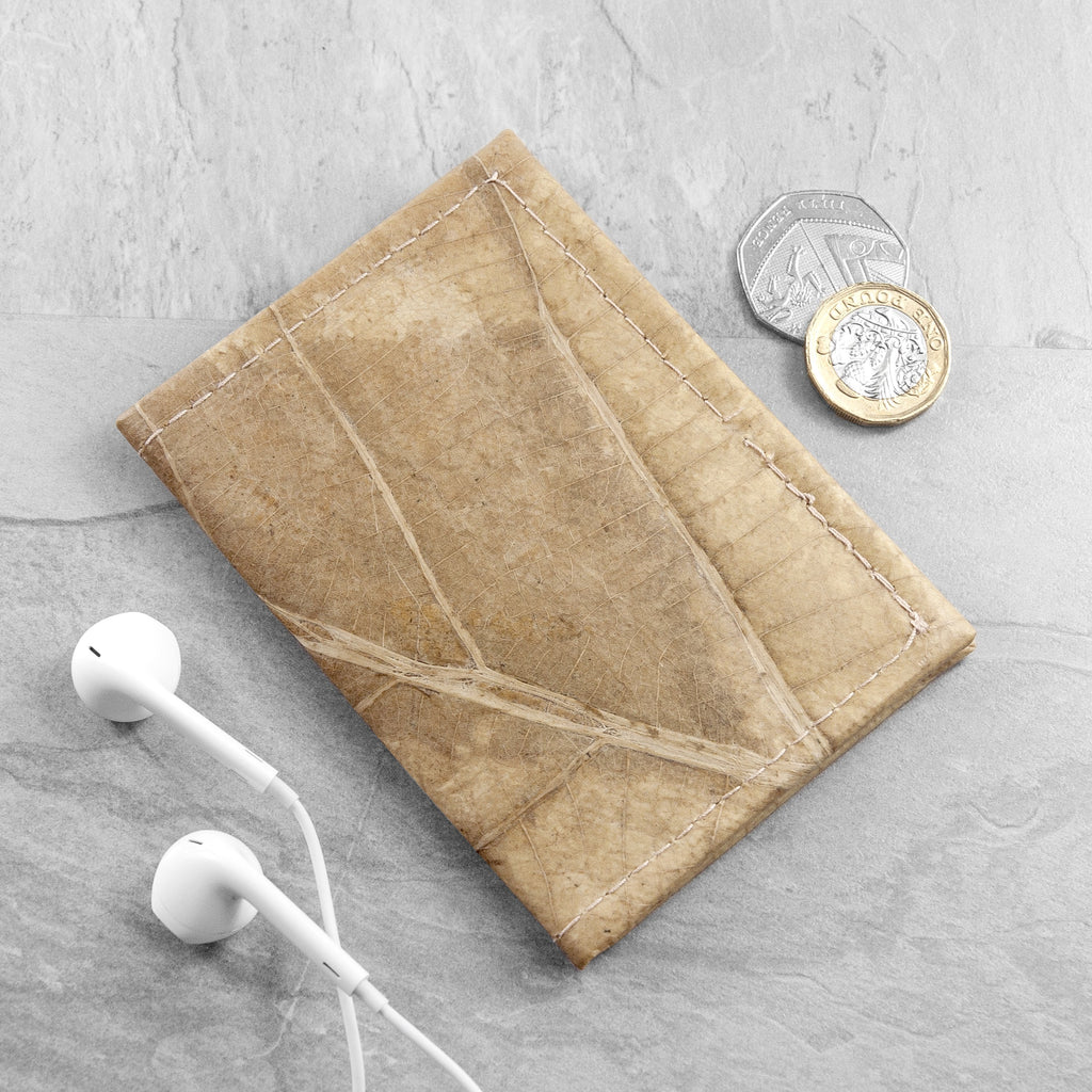 Bifold Cardholder in Leaf Leather - Natural