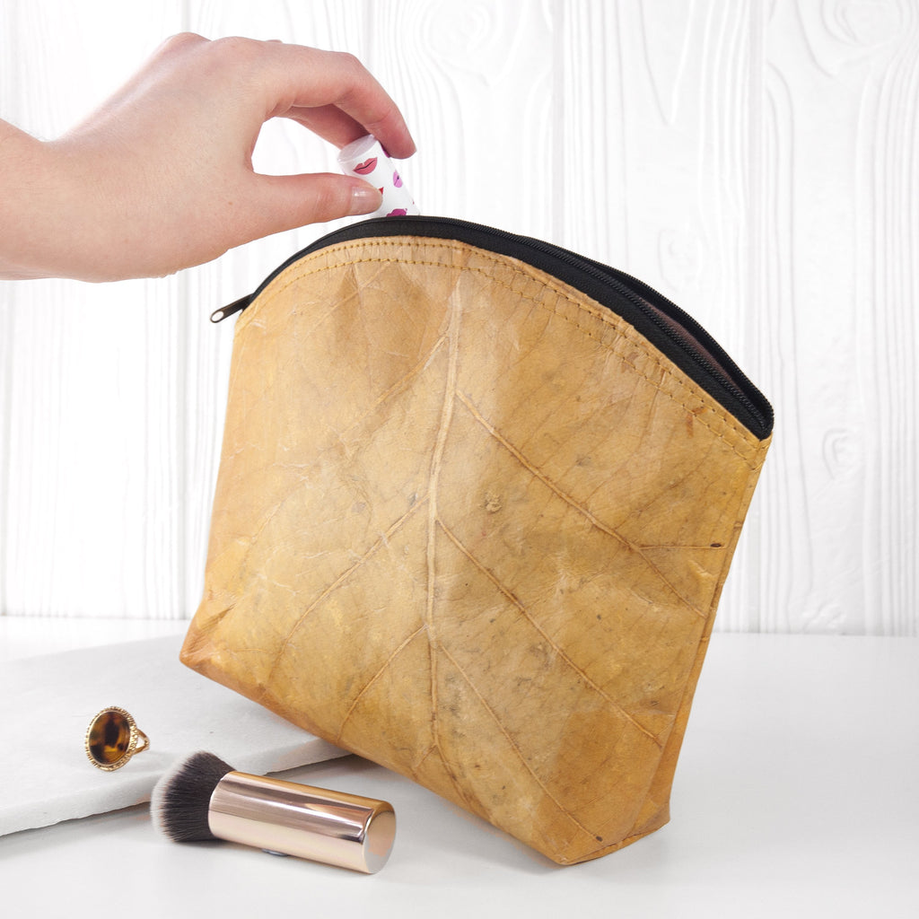 Make Up Bag Large in Leaf Leather - Cinnamon Orange
