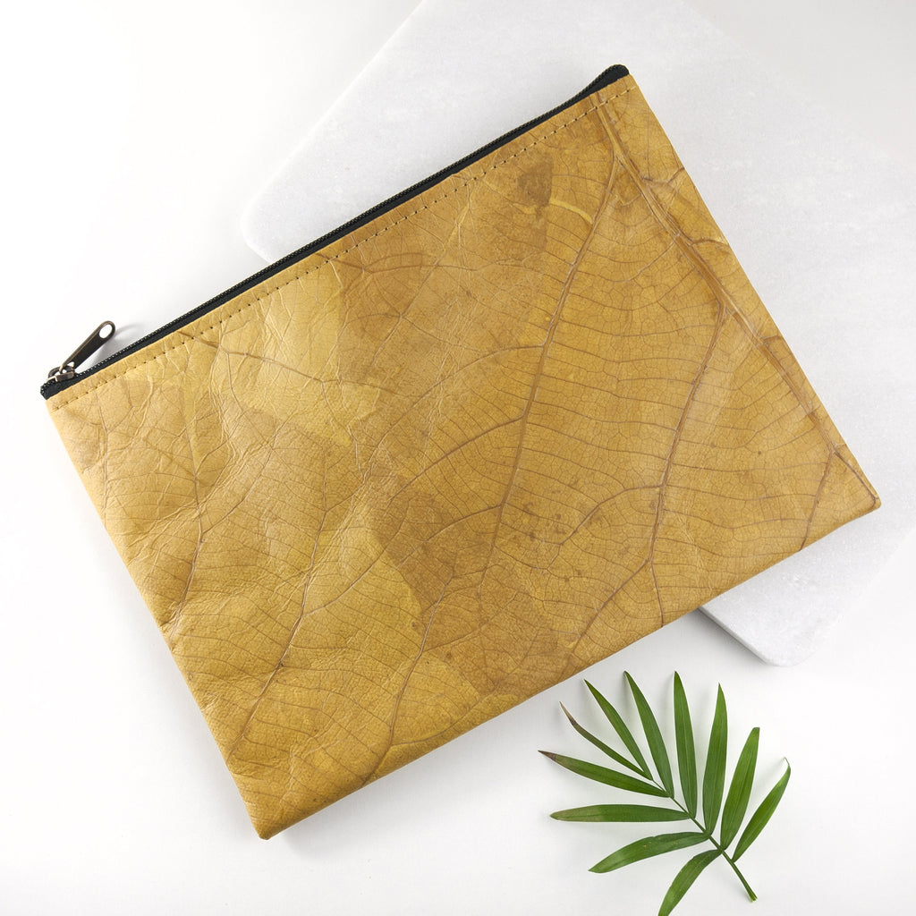 Clutch Bag in Leaf Leather - Tuscan Yellow