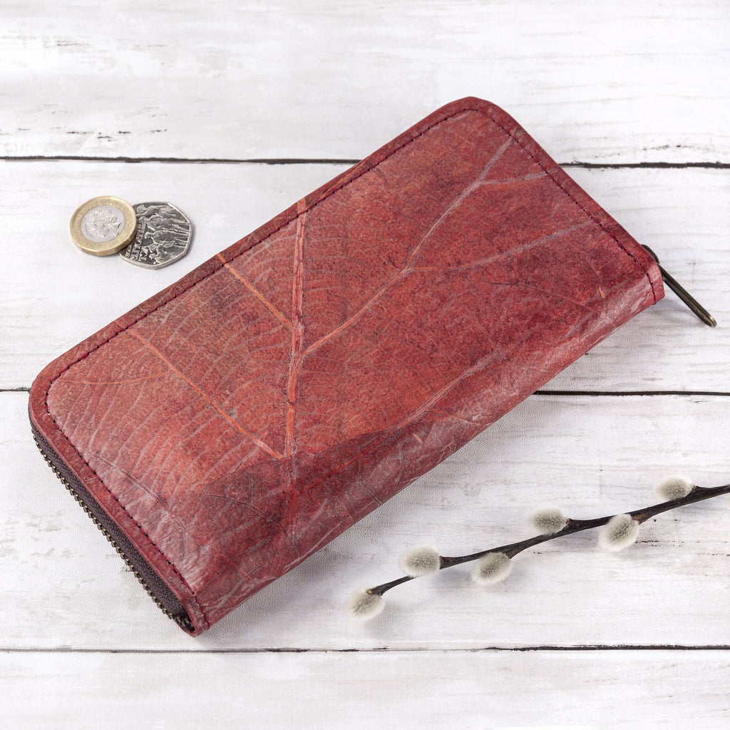 Ladies Zip Over Wallet in Leaf Leather - Berry Red