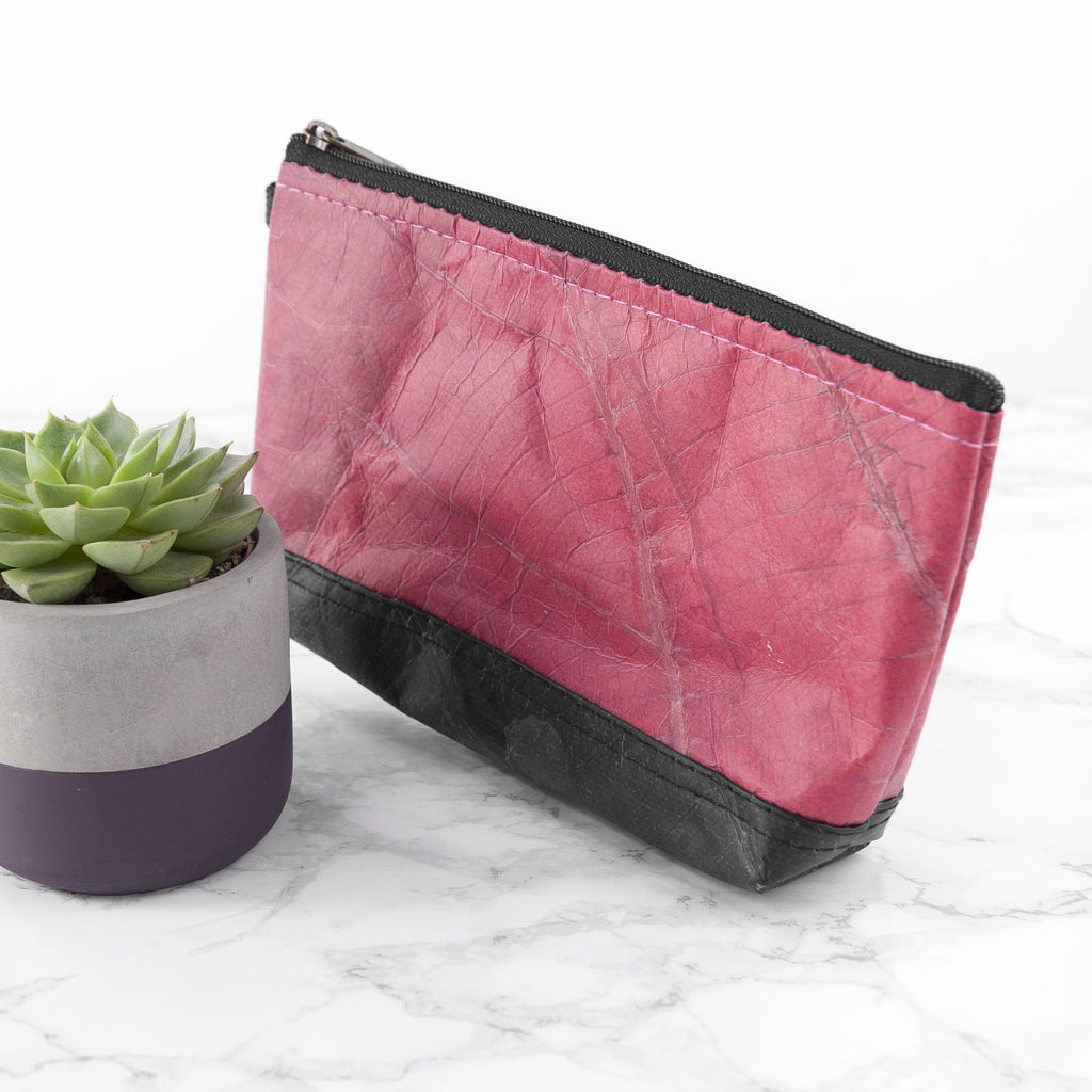 Riverside Wash Bag in Leaf Leather - Pink Coral