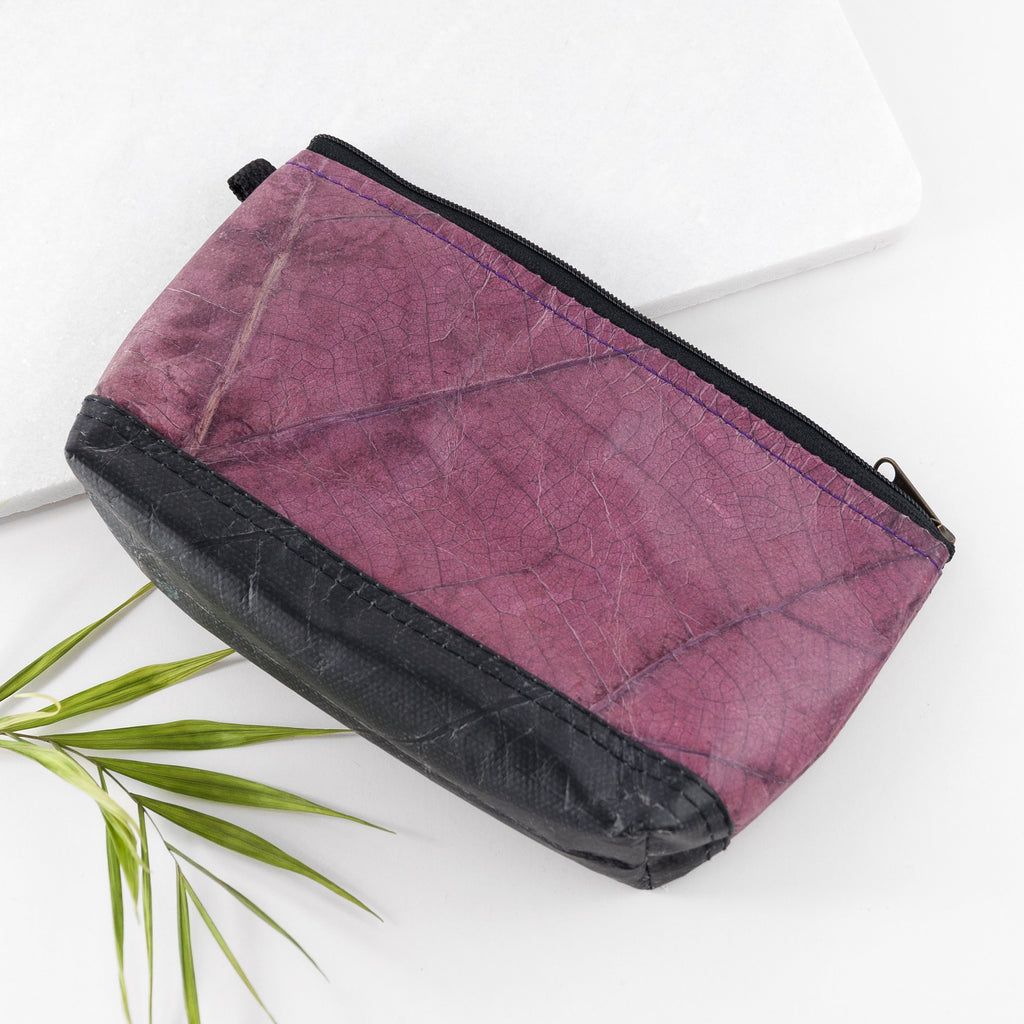 Riverside Wash Bag in Leaf Leather - Dark Lavender