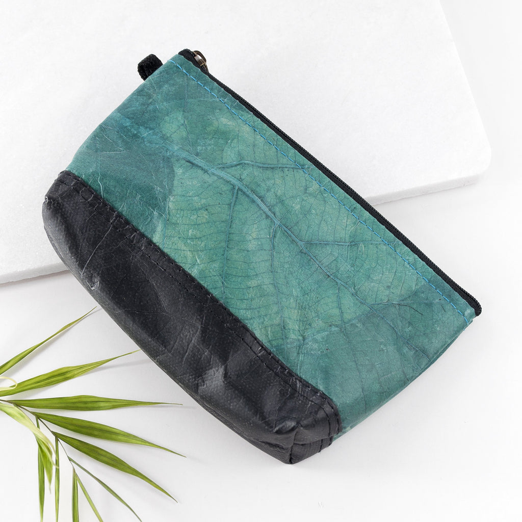 Riverside Wash Bag in Leaf Leather - Teal