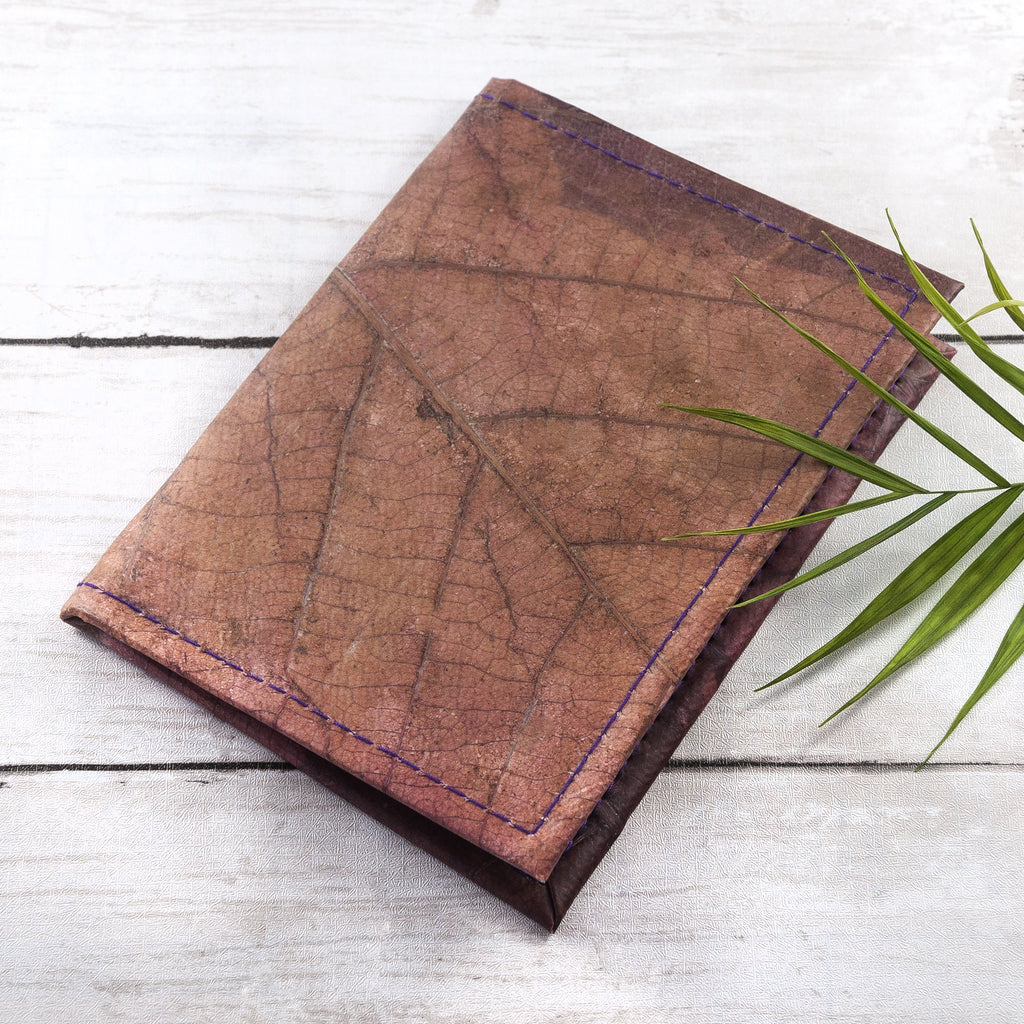 Passport Cover in Leaf Leather - Chestnut Brown