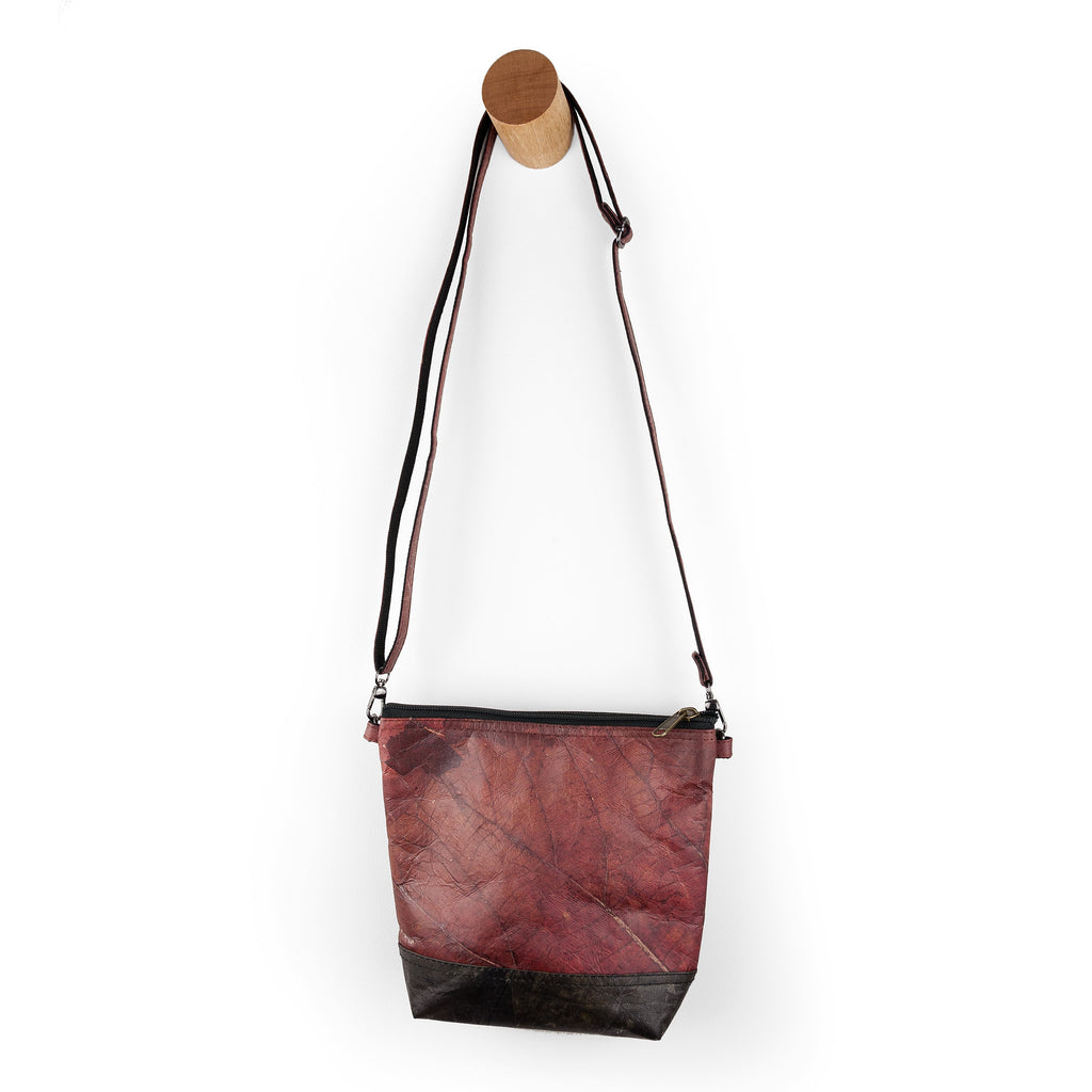 Cross Body Bag in Leaf Leather - Chestnut Brown