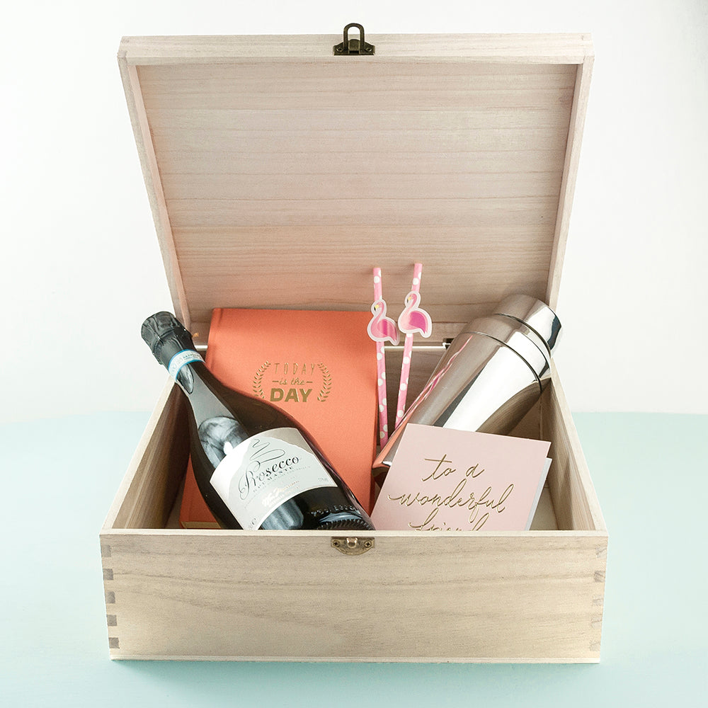 The Ultimate Girly Pink Box - treat-republic