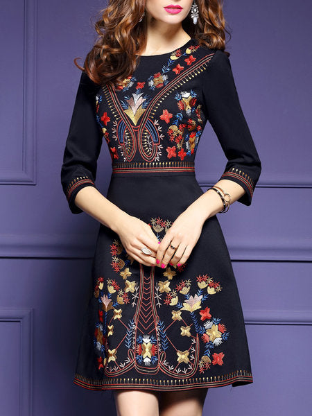 *Black A-line Daily 3/4 Sleeve Embroidered Floral Midi Dress
