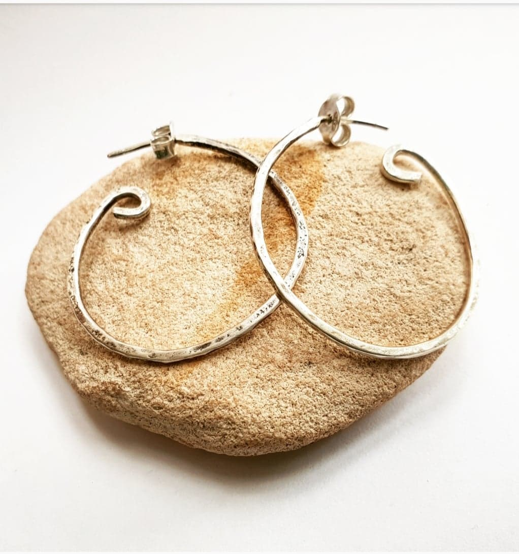 Hammered hoops m