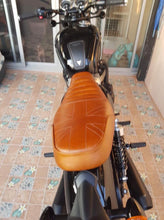 Load image into Gallery viewer, KB-TWSUS - Triumph Bonneville Water-Cooled Scrambler Union Jack Seat