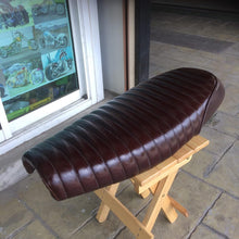 Load image into Gallery viewer, KB-TACRS - Triumph Bonneville Air-Cooled Classic Roll Seat