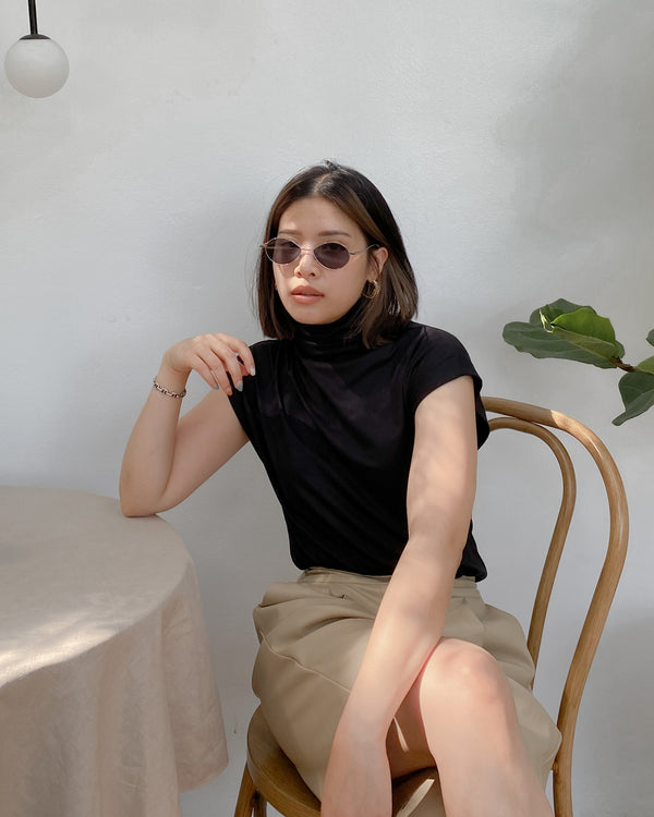 turtleneck sleeveless top