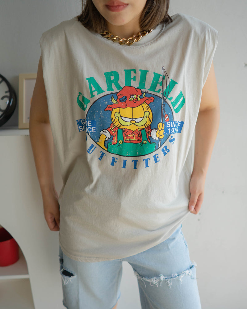 Garfield padded shoulder tee