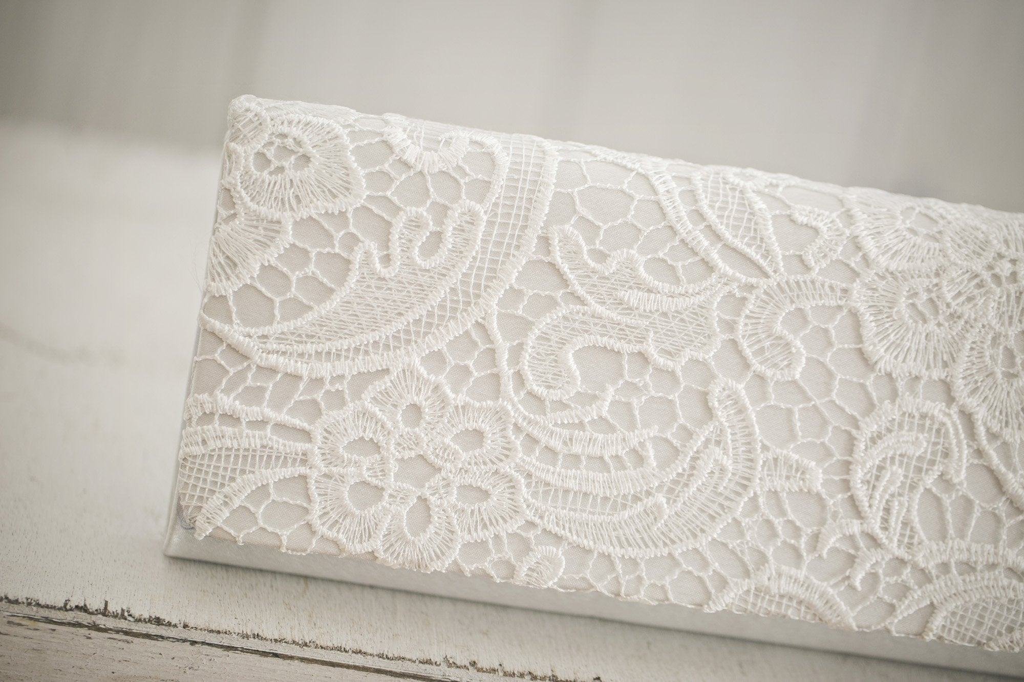 Embroidered Lace Clutch - Violet and Eve