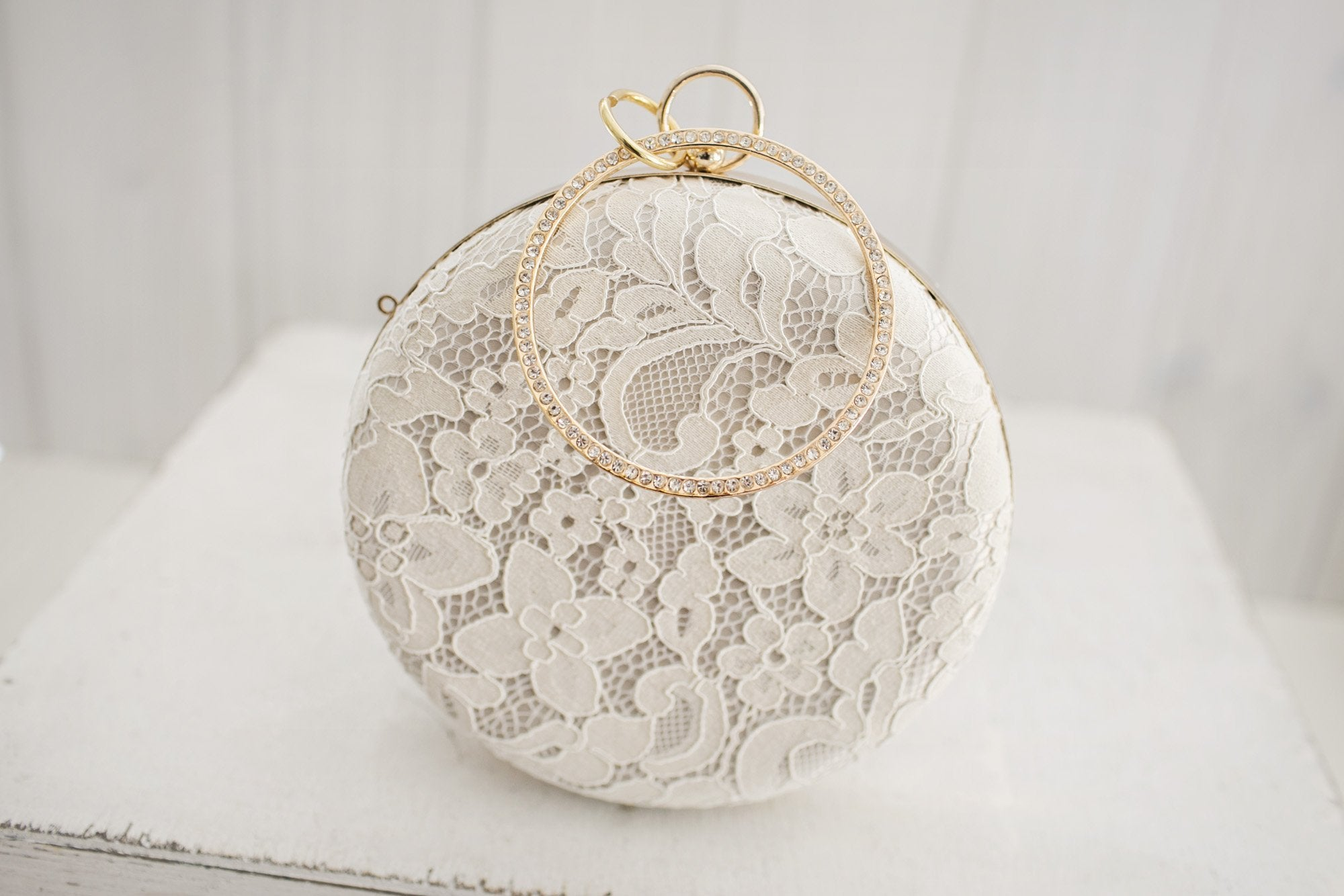 Round Lace Clutch - Violet and Eve