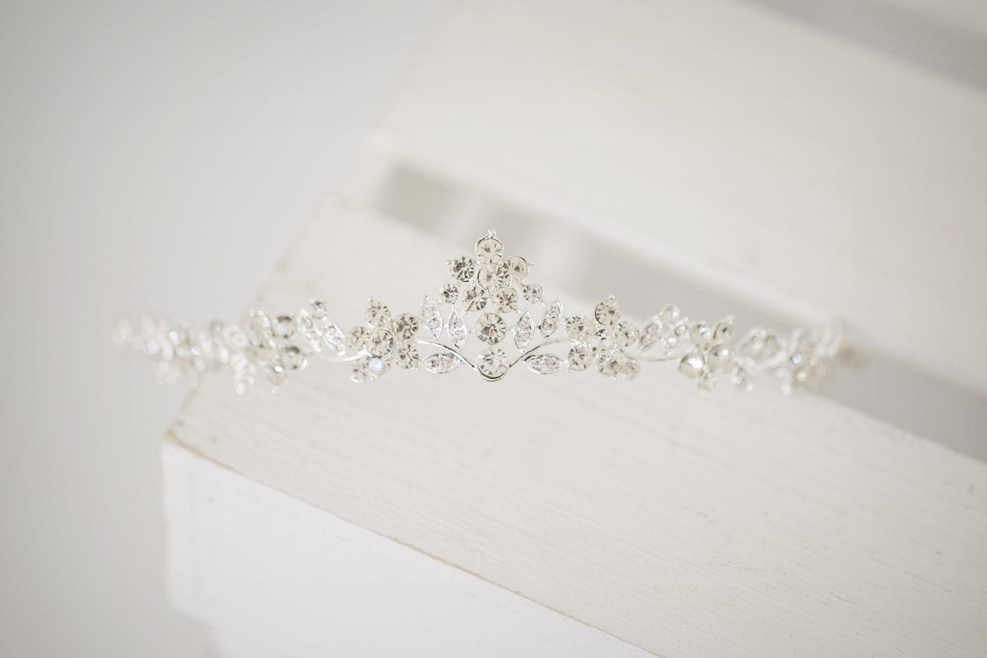 Silver Daisy Bridal Tiara - Violet and Eve
