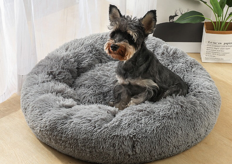 Ease your pet's anxiety and your stress with our Petto™ Calming Pet Bed! Pamper your pet with our self-warming and the soothing bed that is finished with a luxurious vegan faux fur and mimics the cozy comfort of a mother's fur coat!