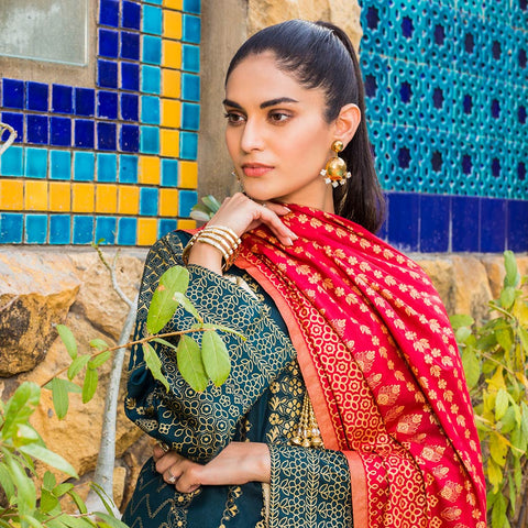 Signature Icon Printed Lawn 3 Piece Un-Stitched Suit Vol 1 - 8 A