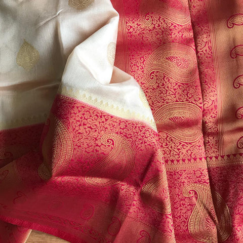 Red Colour Wome's Cotton Sillk Saree With Blouse Pices