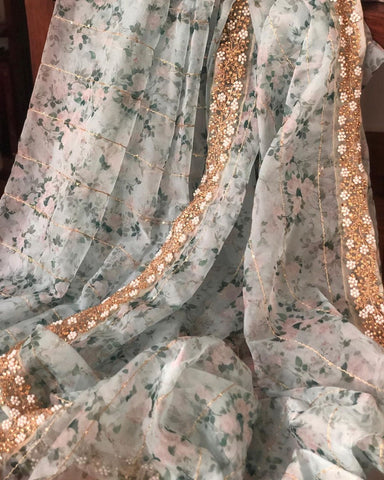 Crem Colour Organza Saree Digital Print With Banglori Blouse Pices.