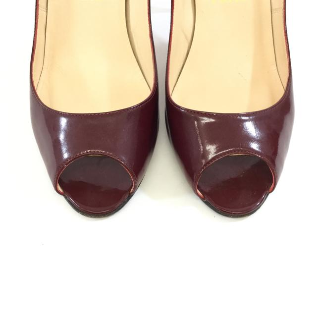 Christian Louboutin Peep Toe Pumps. Size 40 - shoesChristian Louboutin40, Christian Louboutin, WineChic To Chic Consignment