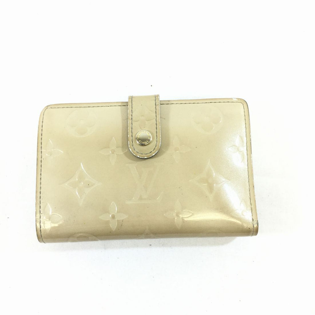 Louis Vuitton Vernis Small Wallet - WalletLouis VuittonGaithersburg, Ivory, Louis Vuitton, walletChic To Chic Consignment