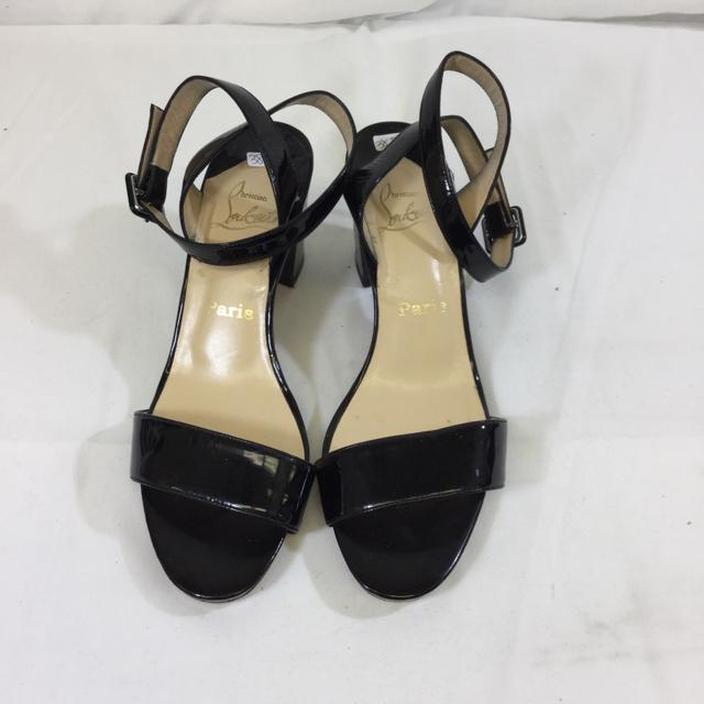 Christian Louboutin Patent Leather Short Stack Heel Sandal. Size 38.5 - shoesChristian Louboutin38.5, Black, Christian LouboutinChic To Chic Consignment