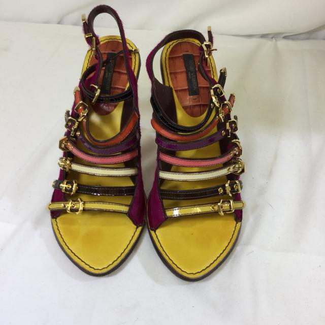 Louis Vuitton Strappy Heeled Sandals. Size 37 - shoesLouis Vuitton37, Louis Vuitton, Pink/multiChic To Chic Consignment
