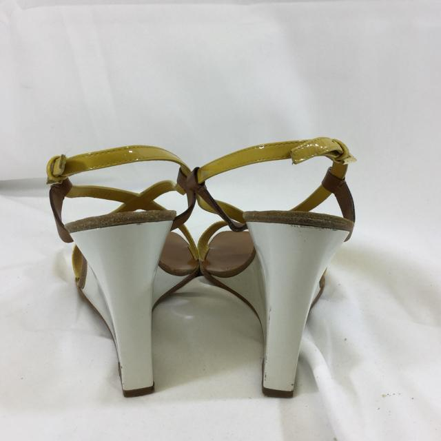Louis Vuitton Wedge Sandal. Size 39 - shoesLouis Vuitton39, Louis Vuitton, White/yellowChic To Chic Consignment