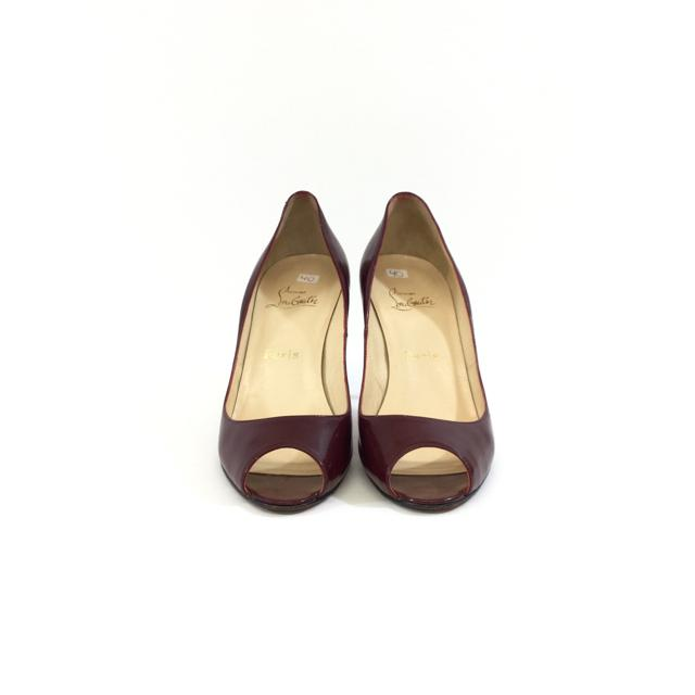 Christian Louboutin Peep Toe Pumps. Size 40