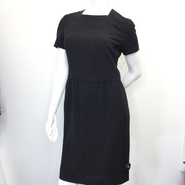 Women's Chanel Square Neck Dress. Size 40