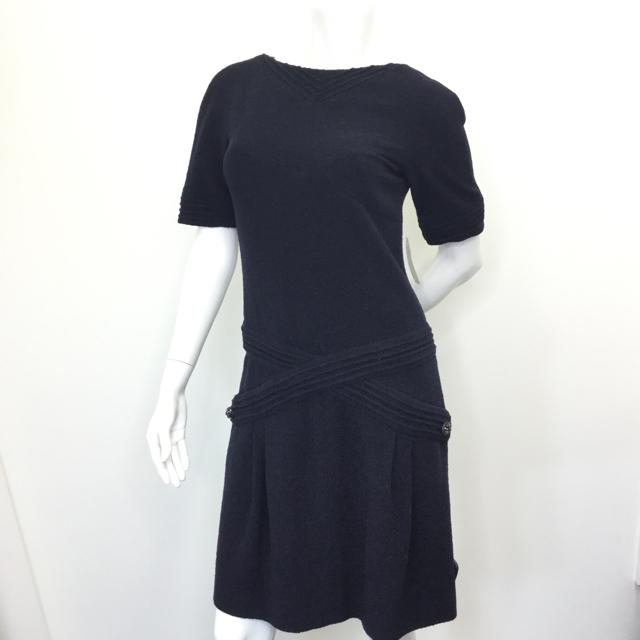 Women's Chanel Short Sleeve Dress. Size 38