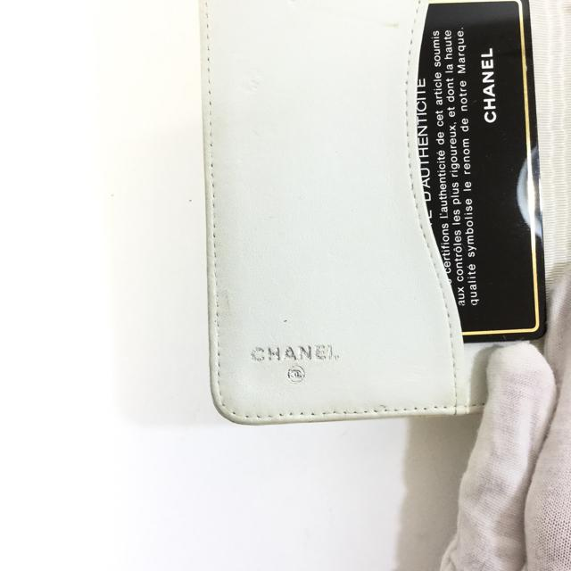 Chanel Patent Leather Agenda - AccessoryCHANELCHANEL, IvoryChic To Chic Consignment