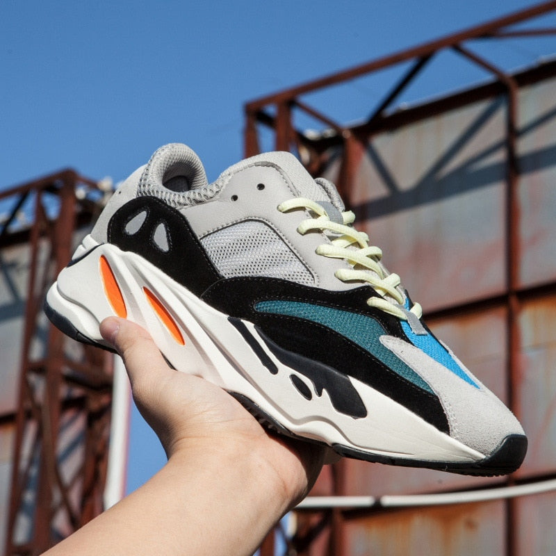 new styles 10870 3bb8a Yeezy Boost 700 V2