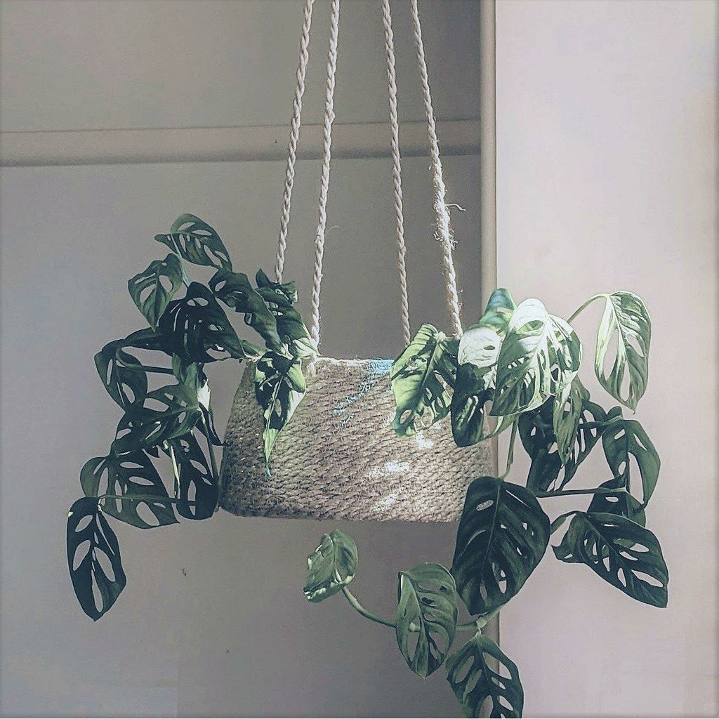 Jute Hanging Basket - heart deco
